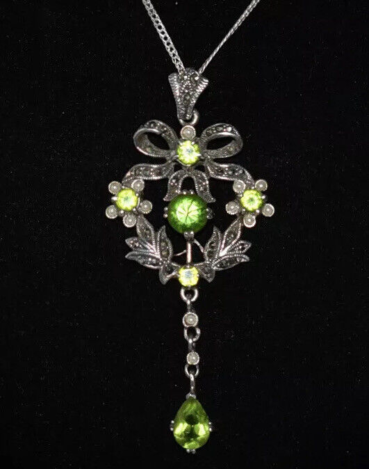 ABSOLUTELY GORGEOUS! ***JEWELS SEED PEARLS & MARCASITES*** Bow PENDANT Necklace