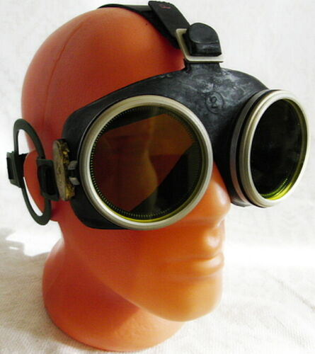 OPF Soviet Russian Army Special-Purpose Radiation Protective Goggles Case USSR