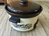 Vintage 80,s Swan 2.5ltr auto slow cooker.