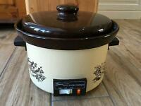 New Swan 2.5ltr auto slow cooker.
