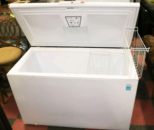 Chest deep Freezer ! 100%  cold working condition !