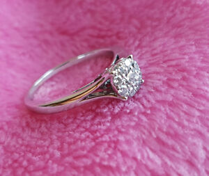 GORGEOUS WHITE GOLD DIAMOND RING - GREAT DEAL !