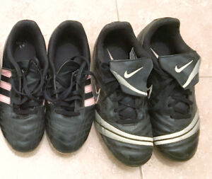 Soccer shoes (girls) for sale