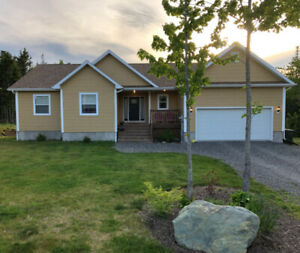 Large and Private new home in Mira River area