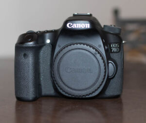 Canon EOS 70D DSLR camera body