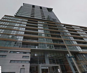 1 bed/1 bath plus den & parking! Walk to Rogers Centre!!