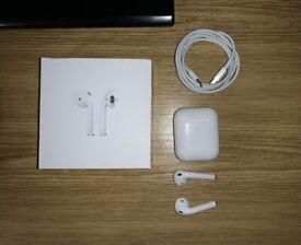 Apple AirPods 2nd Gen (Wireless charging case)