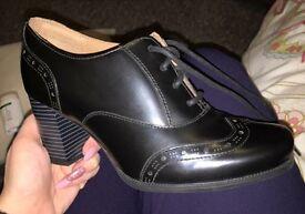 Size 4 - Clarks shoes