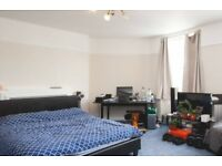 Intimate room with ample storage in shared flat, City of Westminster