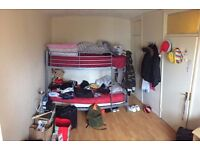 Hello girls, are you looking for a roomshare? BETHNALL GREEN!! just £ 90 PW!!