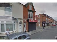 3 Bedrooms House available in 111 Victoria Road - £500