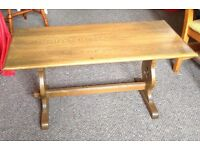 Coffee table, oak, refectory style in excellent condition
