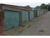 Garage/Parking/Storage: Waterloo Road, Reading RG2 0AG