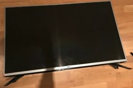 LG 43LF540V- barely used- 400 pound