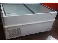 Caravell 425 litres Dislpay CHEST FREEZER, COMMERCIAL or CATERING FREEZER, good working order