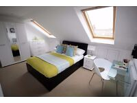 Double Bed in Rooms in Modern House with Patio for Workers-Clapham, London