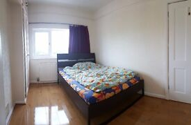 Newly refurbished double rooms in Sutton