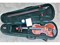Stentor 3/4 entry level violin (1018/C), complete with carry case, bow and rosin.