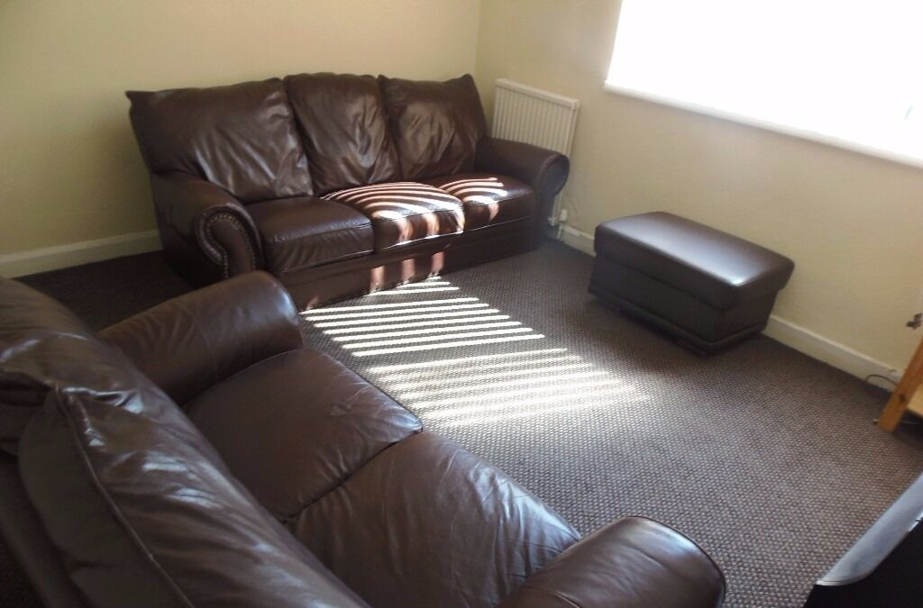 STUDENT HOUSE AVAILABLE 1ST JULY 2017 3 BED HOUSE DONCASTER AVE WITHINGTON £65 x 3 PER WEEK