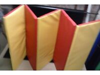 Tumbletots 5 section folding safety mats