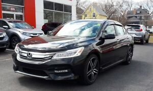 2017 Honda Accord Sedan Touring GPS Navi Low KM!
