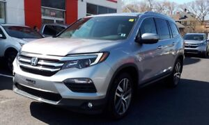 2017 Honda Pilot Touring AWD Low KM!