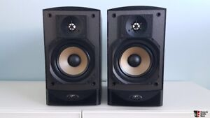 Paradigm studio 20 v2 bookshelf speakers