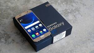 Samsung Galaxy s7 (32gb) Factory Unlocked - Box And Accessories