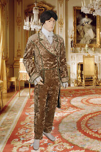 Elegant-Baroque-Renaissance-Jacket-Handmade-from-Crushed-Velvet-with-Trim