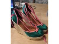 New Kurt Geiger wedges size 4