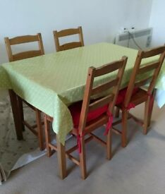 Dinner table+4 chairs