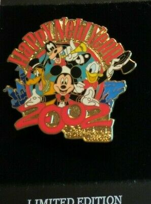 DLR Cast Member Happy New Year 2004 Disney Party Hats 3 Buttons!