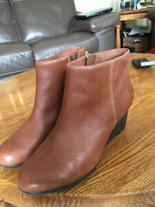 Clarks boots - New