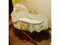 Moses basket with stand including 3 fleeces