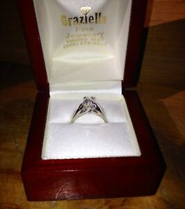 18KT White Gold Solitaire Engagement Ring Peterborough Peterborough Area image 5