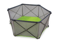 Pop up n play hexagon playpen