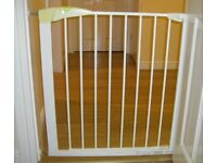 Mothercare Pressure Fit Stair Gate / Safety Gate