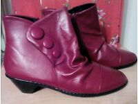 LADIES NEW RED BOOTS - SIZE 7EEE