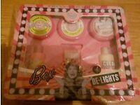 2x Soap & Glory Gift Sets