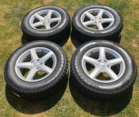 Alloy wheels & Pirelli Tyres