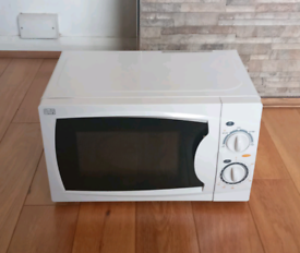 MICROWAVE : BEKO, 800W * delivery available *