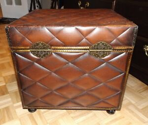 Coffre,Storage Chest,Side table West Island Greater Montréal image 3