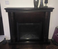 DARK CERAMIC WOOD CHIMNEY IN DARK BROWN IN MINT CONDITION!!!