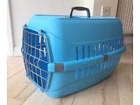 NEW Small Plastic Carrier for Cats and Small Dogs.
