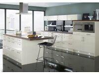 White gloss kitchen 10 units offer