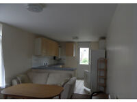 2 bedroom furnished flat located in Albert Road, Southsea. Available 1st July to students or working
