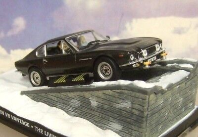 1/43 JAMES BOND 007 ASTON MARTIN V8 VANTAGE WITH SKIS FROM THE LIVING DAYLIGHTS