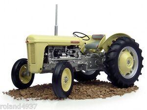 1957-Ferguson-TO-35-Tractor-1-16-Diecast-Universal-Hobbies-UH4036