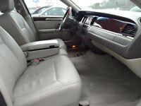 Miniature 9 Voiture Américaine d'occasion Lincoln Town Car 2007