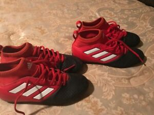 Adidas kids soccer shoes size 3 1/2